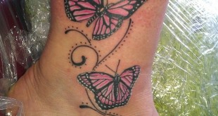 Schmetterling Tattoo am Knöchel