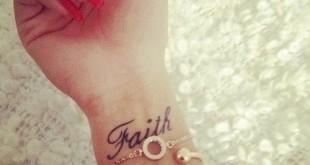 Faith Tattoo Spruch am Handgelenk