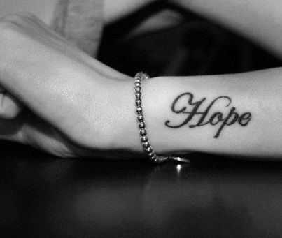 hope tattoo spruch am unterarm tattoo deine tattoo community f r tattoos. Black Bedroom Furniture Sets. Home Design Ideas